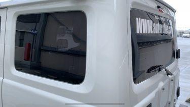 新型ジムニー XGにスモークフィルムを貼りました